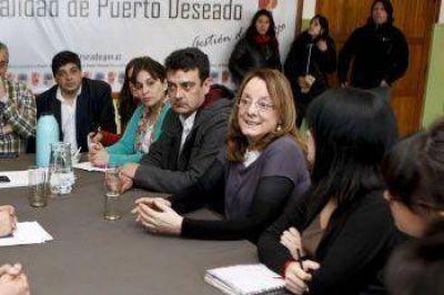"""ALICIA KIRCHNER: """"LOS GRANDES PROYECTOS SURGEN DE ESCUCHAR Y TRABAJAR CON LA GENTE"""""""