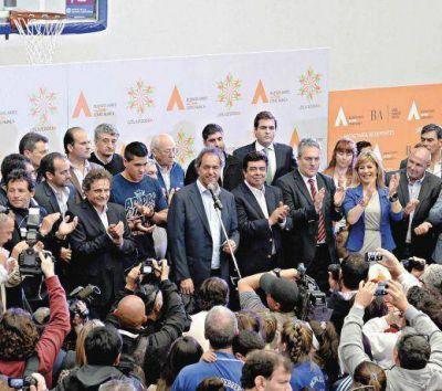 Scioli incluye, Macri privatiza
