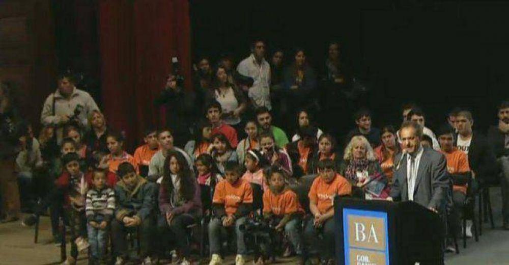 Scioli prometió boleto estudiantil gratuito para todo el país
