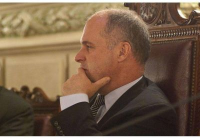 Henn cuestionó la foto de la UCR de Santa Fe con Mauricio Macri