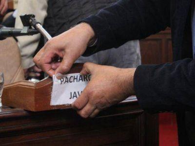 El blanqueo de Pacharotti: Pidió licencia en el Concejo y lo reemplazó Mauricio Castro