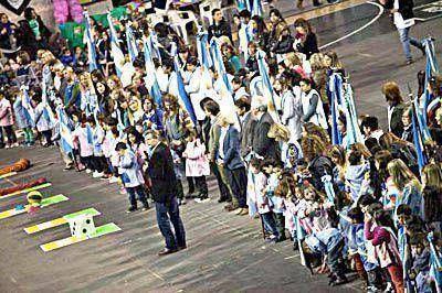 Multitudinario festejo por los 50 años del sistema educativo municipal