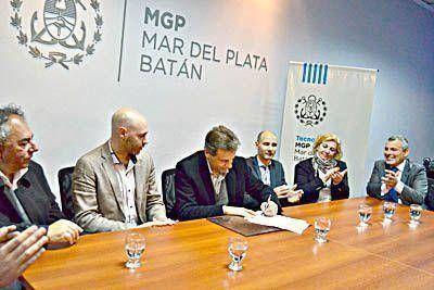 Firman convenio para crear el consorcio que administrará el primer Parque Informático
