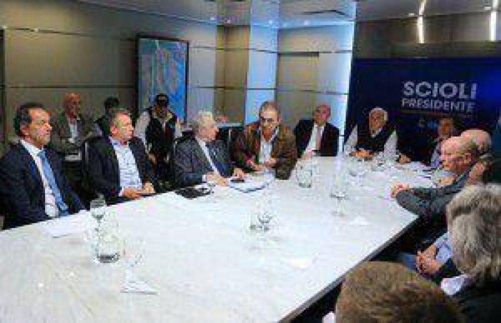 Gremios opositores elogiaron proyecto de Scioli para crear el ministerio de Transporte