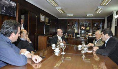 Cumbre jachallera: Gioja junto al intendente, diputado y párroco