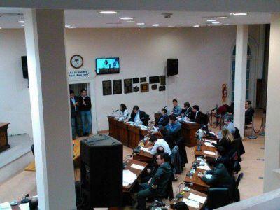 """Polémica por la tosca: con el respaldo """"larraburista"""", el Concejo convocó a Bevilacqua"""
