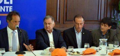 Scioli le dijo a Gasparini que si es presidente, Roque Pérez tendrá 200 viviendas nuevas