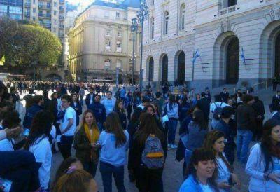 Desalojaron el Centro Cultural Kirchner por una amenaza de bomba