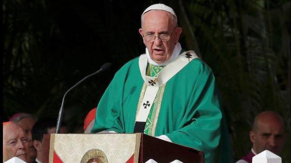 Cuba: en la Plaza de la Revolución, el Papa criticó las ideologías