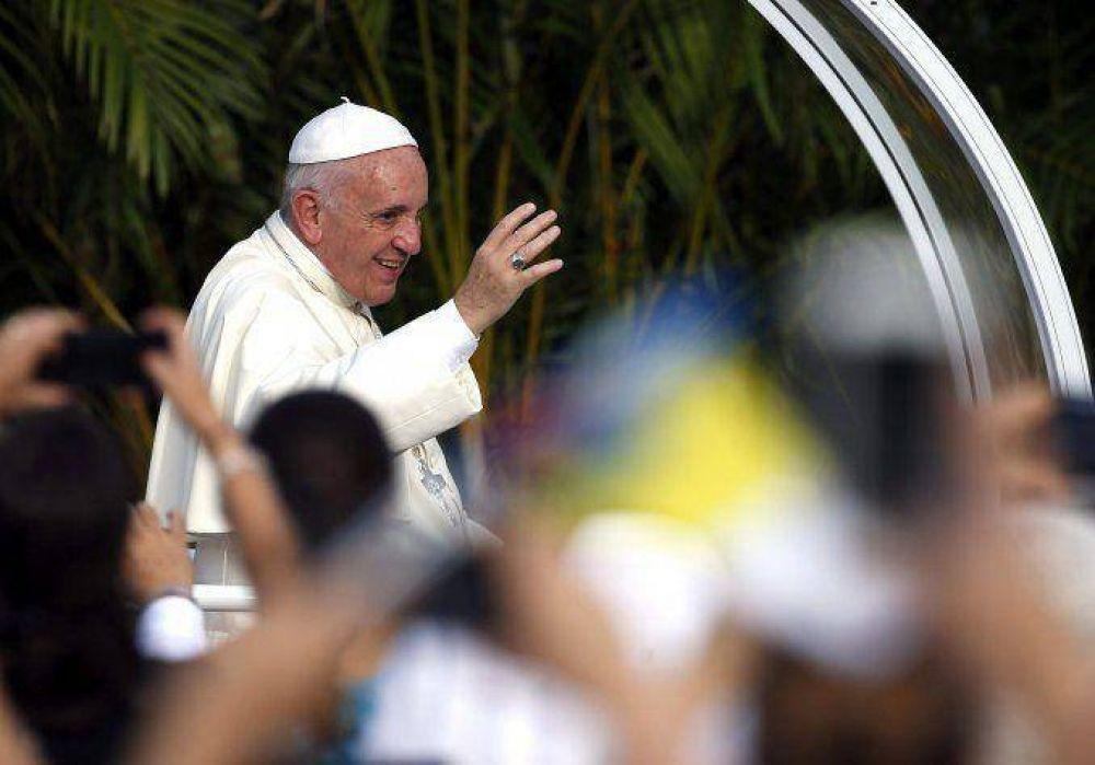 Francisco visitará un monumento a Juan Pablo II