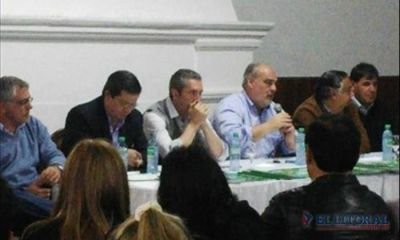 El Gobernador reunió a todo ECO en Libres y bajó línea para las elecciones del 25-O