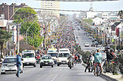 Entusiastas ciclistas dieron vida a la Caravana de la Primavera