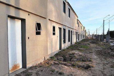 Falta dinero para poder terminar los barrios