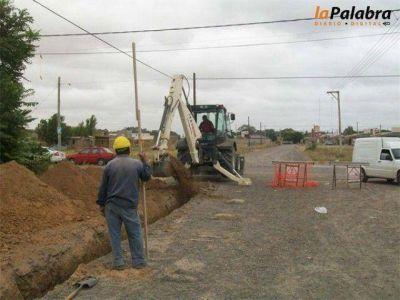 Curetti confirmó el inicio de la obra de cloacas para los barrios El Progreso y 150 viviendas