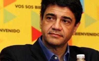 Denuncian a Jorge Macri por contrataciones millonarias