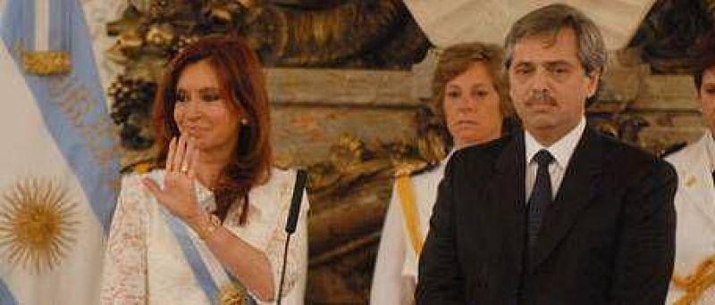 Aunque sabe que a Cristina le molesta, Alberto Fern�ndez critic� la miop�a K