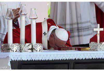 """Francisco en Holguín: """"Sé del esfuerzo y sacrificio de la Iglesia en Cuba para llevar a todos la palabra y la presencia de Cristo"""""""