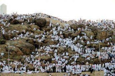 Más de dos millones de peregrinos sobre el Monte Arafat