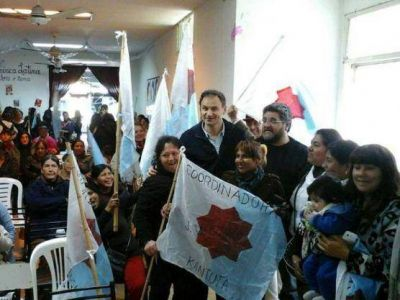 La coordinadora John William Cooke oficializó su apoyo a la candidatura de Pablo Bruera