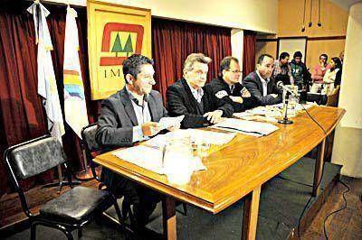 Cuatro candidatos a intendente debatieron sobre la trata de personas