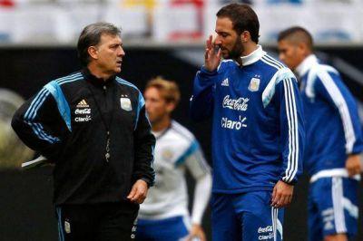 Martino no convocó a Gonzalo Higuaín y citó a Paulo Dybala por primera vez