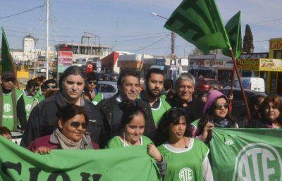 Plana mayor nacional y provincial de ATE encabezó movilización en Caleta Olivia