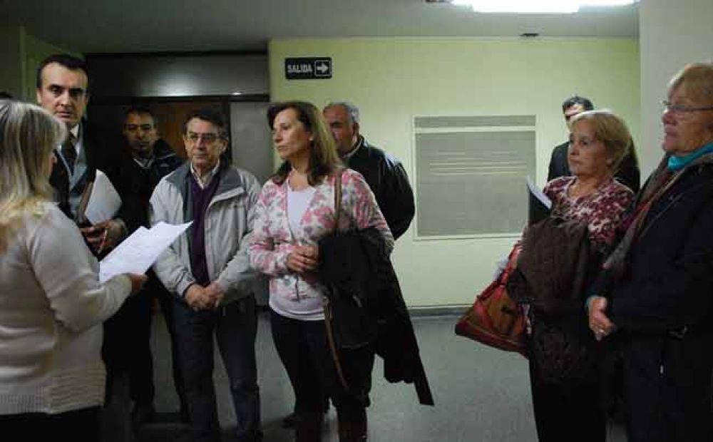 """Gremios estatales exigen audiencia """"urgente"""" al gobernador Jorge"""
