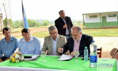 Garruchos: Colombi inaugur� el polideportivo municipal y firm� convenio para su ampliaci�n