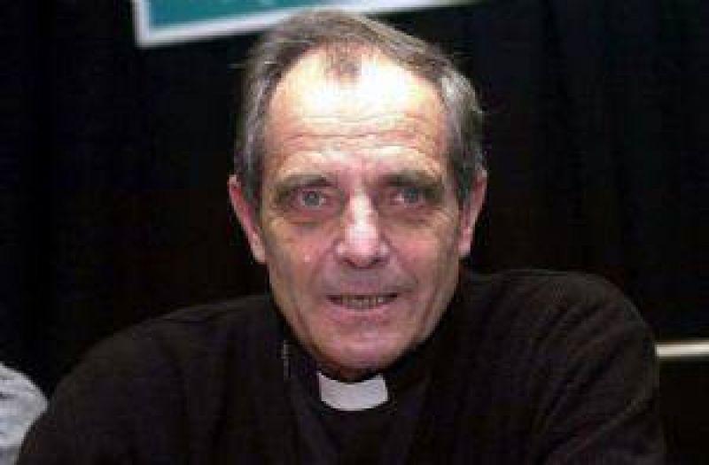 El obispo Casaretto dialogará con los políticos locales.
