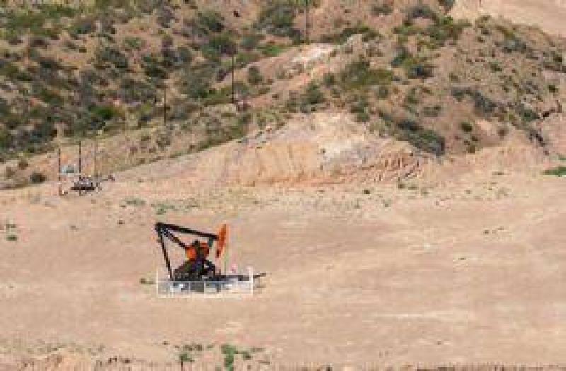 Recién se explorarán a fin de año las áreas petroleras adjudicadas en 2008