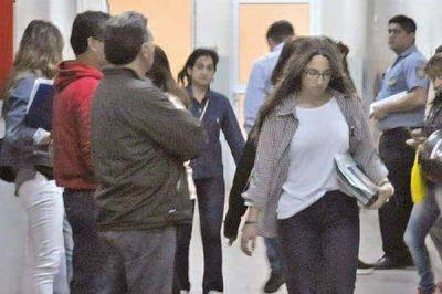 Otra maestra pide eximición de prisión y hay 22 nuevos denunciados