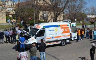 Rojas: El Rotary Club entregó ambulancia al Hospital municipal