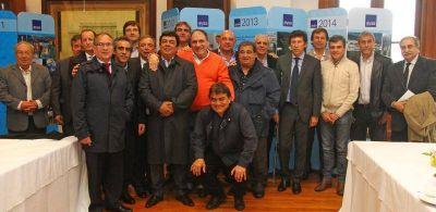 Intendentes se reunieron con el Director de AySA por obras que vienen a la Región