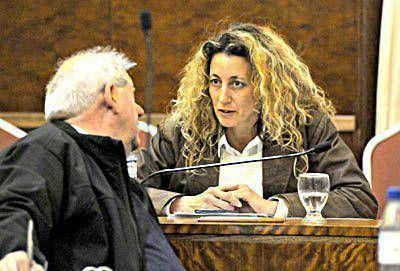 Al final, Patricia Serventich ocupó la banca de Arroyo