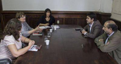 Directoras del Observatorio de Violencia contra la Mujer plantearon sus inquietudes a diputados