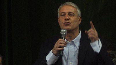 Tras bajar su candidatura massista, Larraburu mostr� su apoyo a Scioli