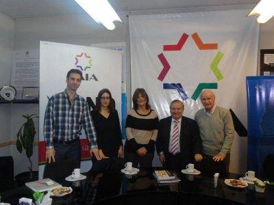 La investigadora Liliana Deriz visitó la DAIA