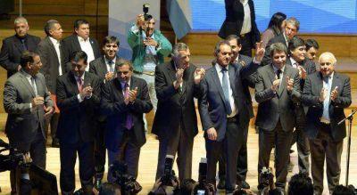 Scioli llevó la campaña a San Juan y prometió impulsar las economías regionales de Cuyo