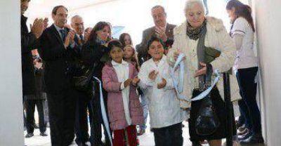 Lunghi inauguró el nuevo edificio del centro de salud de San Cayetano