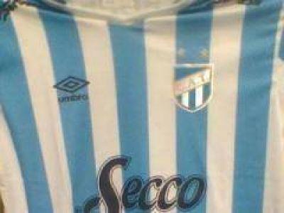 El Papa recibió la camiseta de Atlético Tucumán