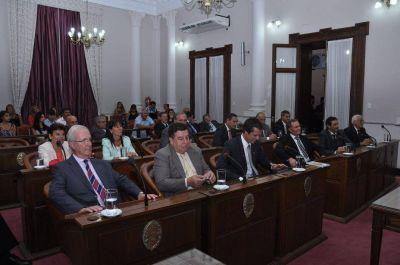 Este miércoles el Senado aprobaría Ley de Ministerios y Agroquímicos