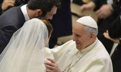 El Papa Francisco pide no criminalizar a los jóvenes sino ayudarlos al empeño del matrimonio