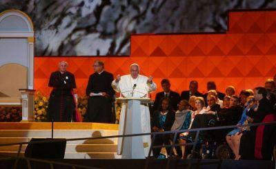 Papa Francisco: Lo más lindo que hizo Dios, dice la Biblia, fue la familia