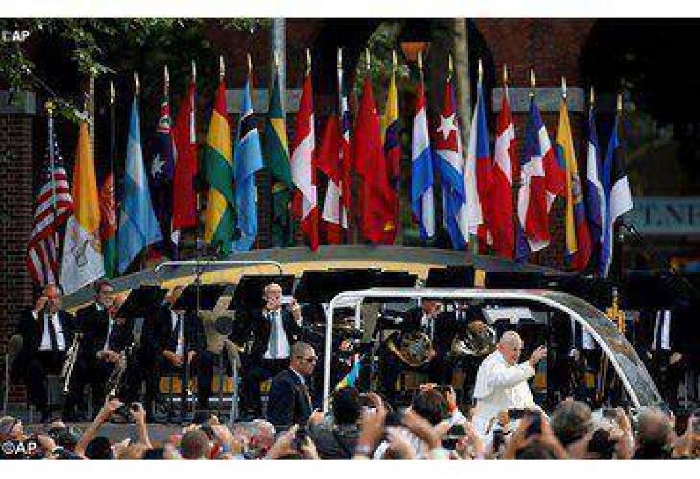 Que sus valores enriquezcan la tierra norteamericana, el Papa a la comunidad hispana de los EEUU