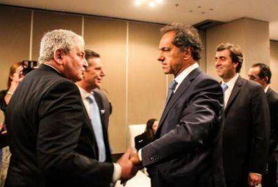 Boto acompañó a Scioli en encuentro con textiles
