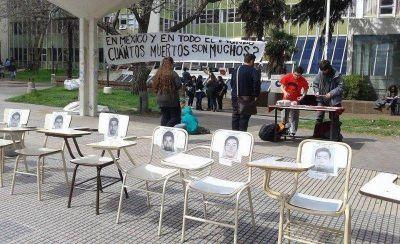 Mar del Plata se suma al reclamo por la aparición de los 43 estudiantes mexicanos