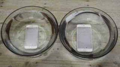 Los últimos iPhones resisten hasta una hora bajo el agua