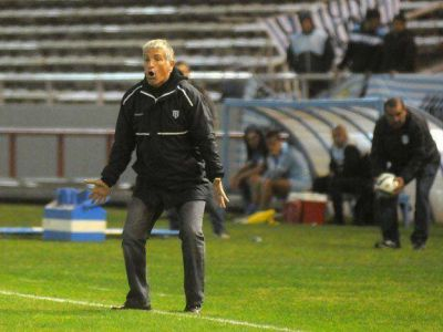Gimnasia está Feliz: con gol de Carranza, el Lobo ganó un partido clave