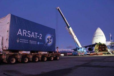 Dos mendocinos son parte del equipo que pondrá en órbita al satélite Arsat-2