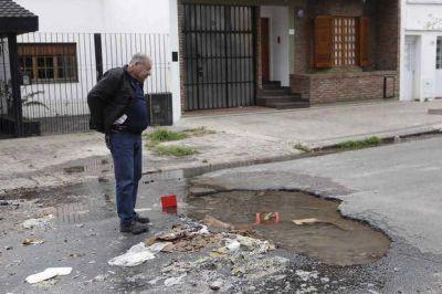 Naufraga un plan para reparar las cañerías rotas y los desbordes cloacales en la Ciudad